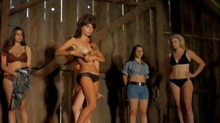 Vrouwen strippen op het podium 1972