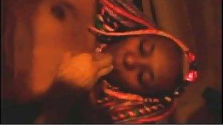 Afrikaanse vuistneuken, schattige ebony babe pussy vuist