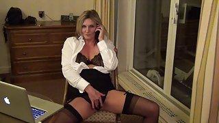 Secretaris sam in een hotel kamer