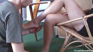 De aanbidding van rebeccas voeten