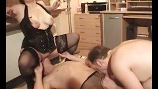 Amateur - bisex sex mmf trio - mooie lingerie