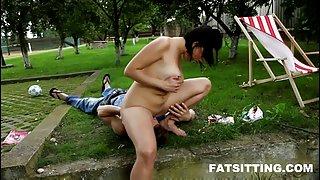 Vet-assed bbw meesteres gezicht paardrijden sommige gelukkige slaaf jongen