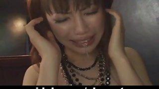 Japanse babe zuigt grote harde pik ongecensureerde