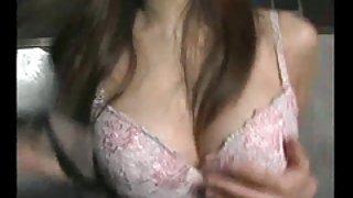 Sexy japan gogo meisje met een bril striptease dans